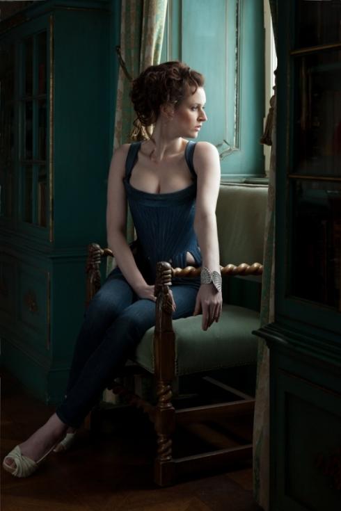 Rokoko Korsett von Beata Sievi, Model Anna posiert für Photograph Ewald Vorberg