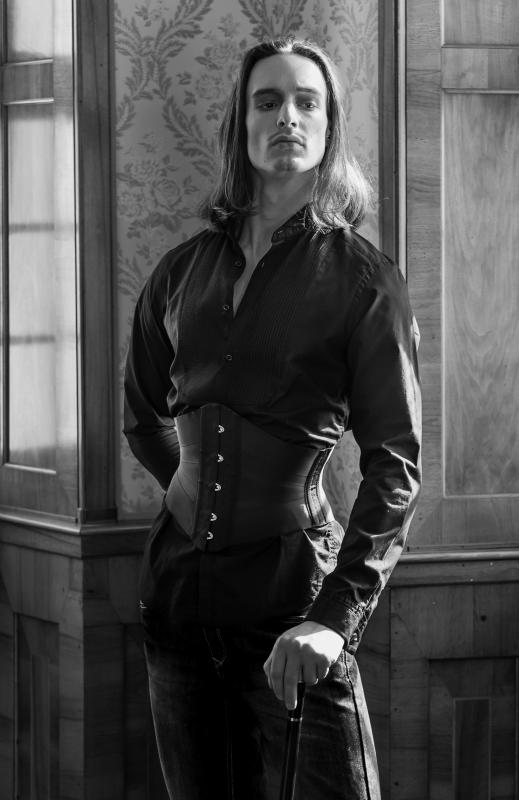 Niko Ruch im Korsett von Beata Sievi, Fotografie: Ewald Vorberg