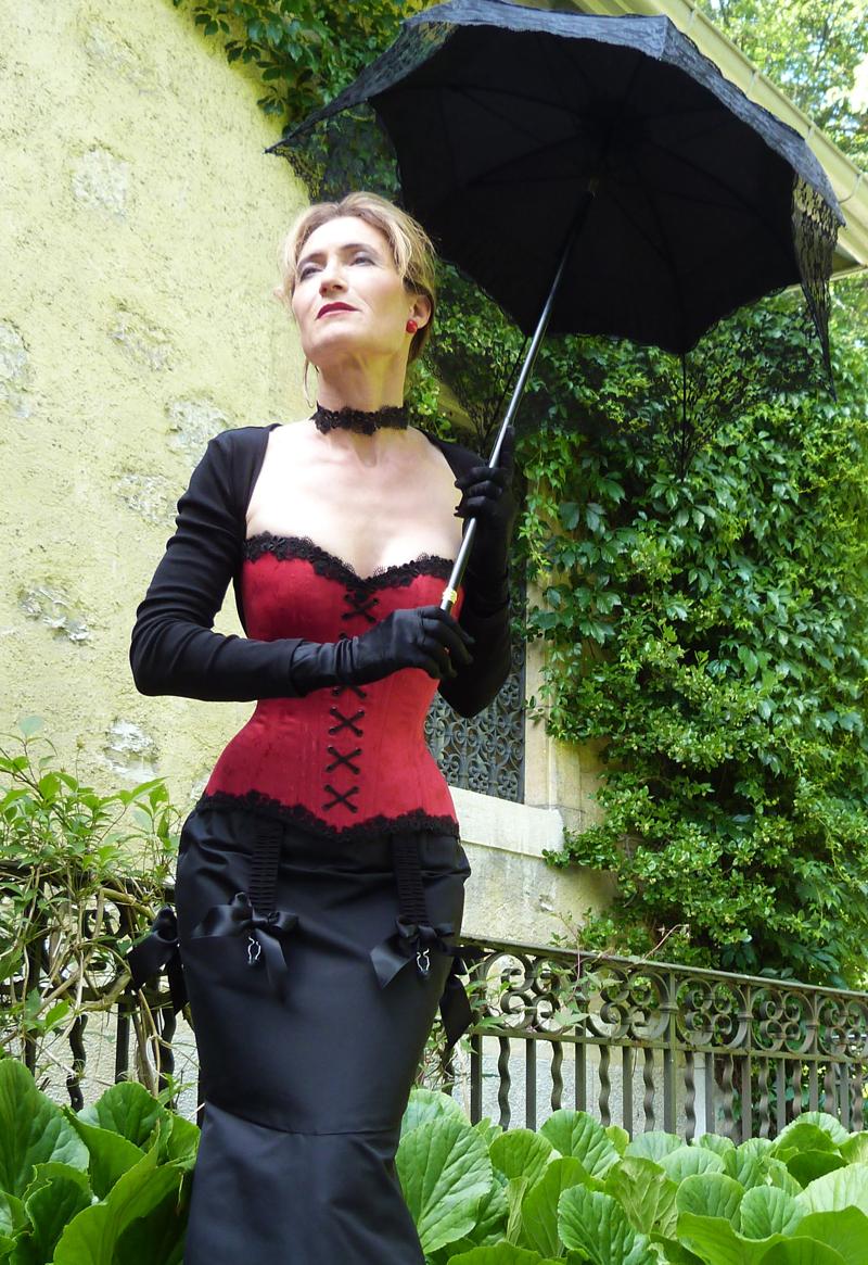 "Verena im Korsett ""Palermo"" von «entre nous» Verena im Korsett von « entre nous »    Bild und Styling: Beata Sievi, Inhaberin des Korsettateliers «entre nous»"