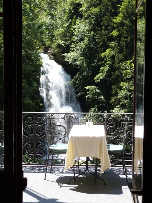 Frühstück-Szenerie im Hotel Giessbach