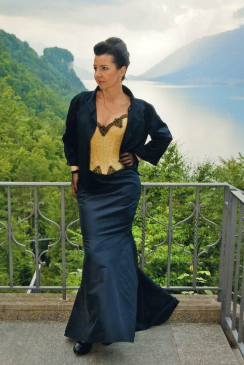 Beata Sievi im Apéro Outfit , Styling Kathrin Tollas