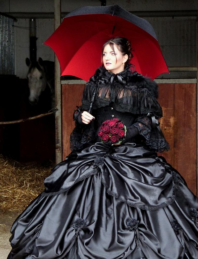 Gothic Hochzeitskorsett von Beata Sievi, Atelier «entre nous» Winterthur