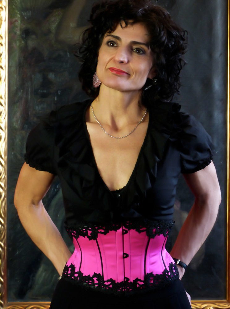"Happy client in her ""tango waist cincher"" made by corset artist Beata Sievi"
