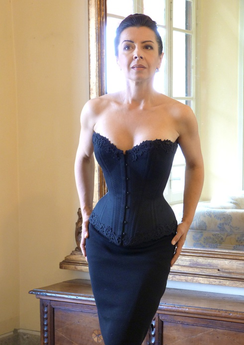 Beata Sievi Corset Artist in Hotel San Giorgio Lenno wearing a new corset from her prêt-a-porter collection.