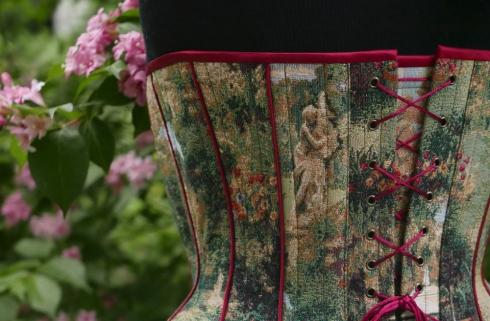 """""""Tränen des Eros"""" - individuelle Korsett-Anfertigung nach Mass von Beata Sievi Corset Artist - Auswahl der Motive und Dekorationen"""