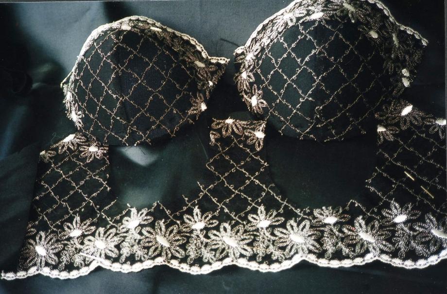 LIngerie-Anfertigung Beata Sievi Archiv, 1999