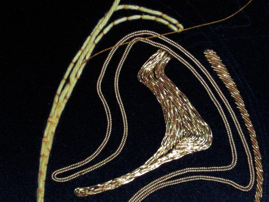 Goldfadenstickerei - Entwurf und Ausführung: Beata Sievi